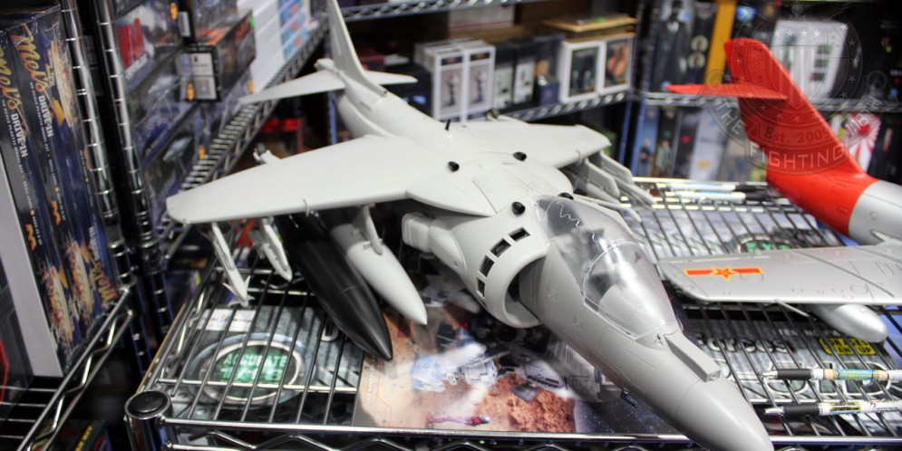 SDCC 2014 – Merit International 1:18 AV-8B Harrier – #SIZEMATTERS
